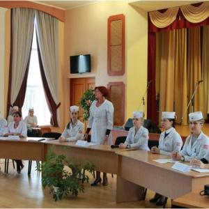 засідання секцій внутрішньої медицини та психологічного гуртка «Віч-на-віч»